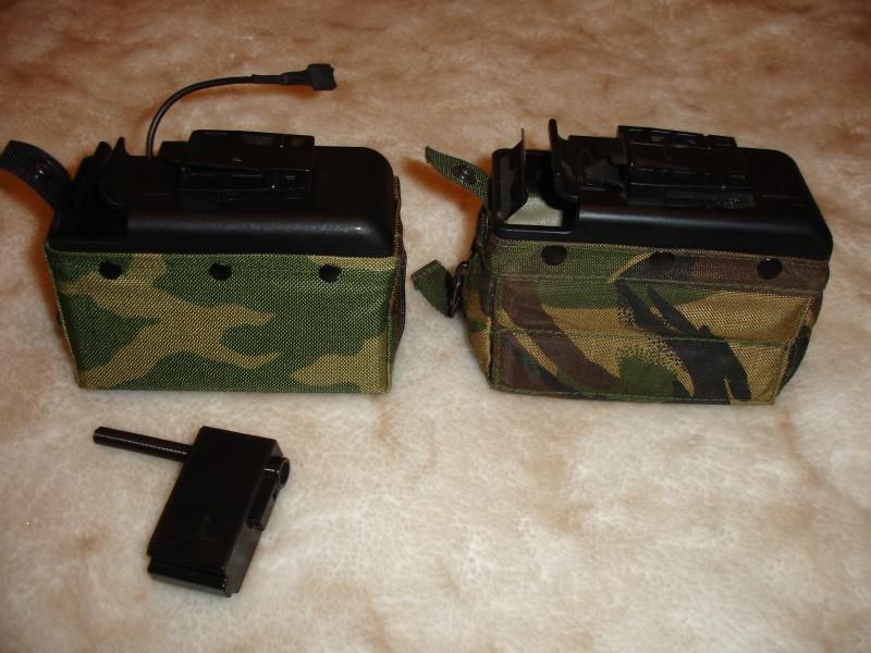 СтрайкбольныйВид сверху. MAG (слева) и реальный боевой короб (справа)